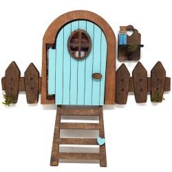 Puerta ratón Pérez que se abre