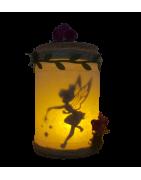 Hadas capturadas en tarros de luz